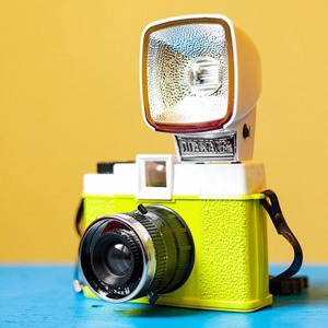 На полках: Магазин винтажных фотокамер Fotovramke — Магазини на The Village Україна