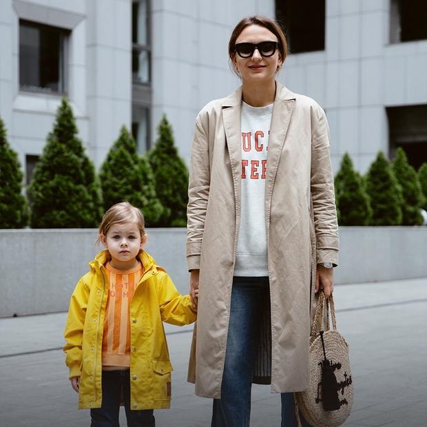 Олена Масюткіна, 34 роки, власниця магазину Milk Kids, та донька Меланія, 4 роки  — Зовнішній вигляд на The Village Україна