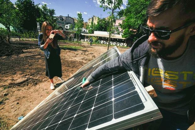 День дій у «Самосаду»: сонячні панелі та міське садівництво  — Репортаж на The Village Україна
