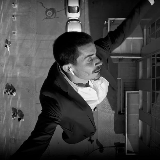 Реклама AirPods у Києві: як зняти Нью-Йорк на Бульварно-Кудрявській — Кейси на The Village Україна