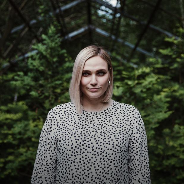 «Кімнатна рослина». Історія Жені Головіної про медикаментозну боротьбу з депресією — Власний досвід на The Village Україна