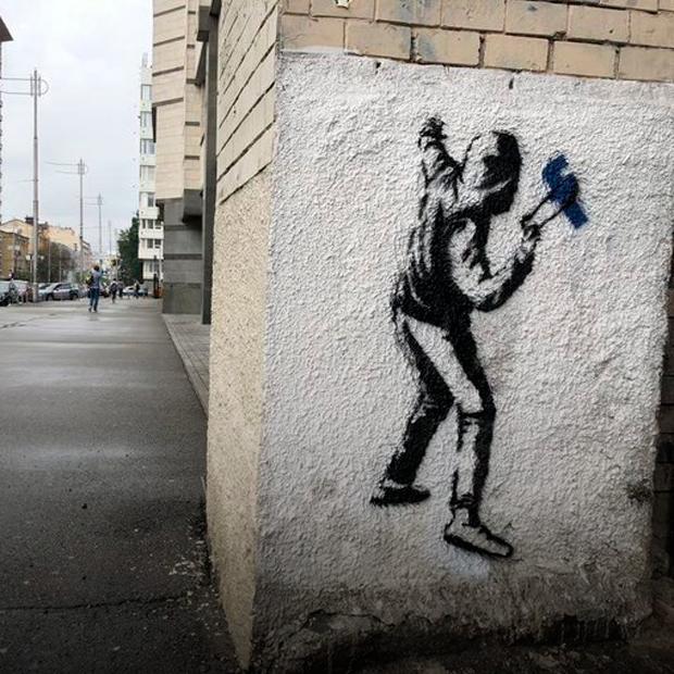 Хто і навіщо зробив фейки Бенксі у Києві — Є питання на The Village Україна