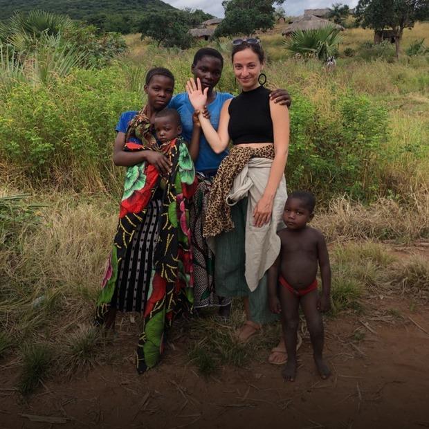 Ми подорожували Африкою 5 місяців за 1600 доларів та заробляли на оголених фото через Patreon