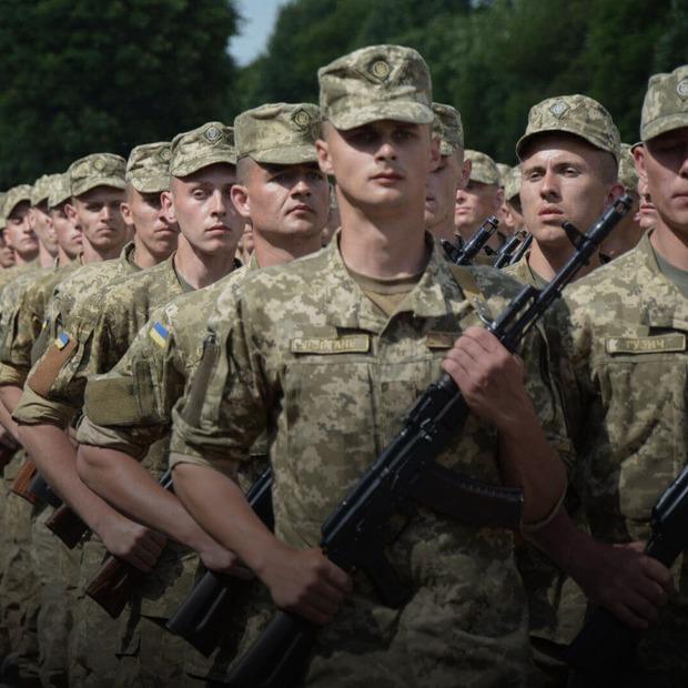 Закон про призов резервістів до армії без мобілізації набув чинності. Що це означає  — Є питання на The Village Україна