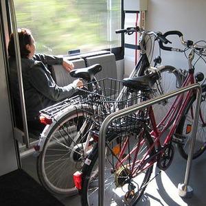 В вагонах городских электричек появятся места для велосипедов — Ситуація на The Village Україна