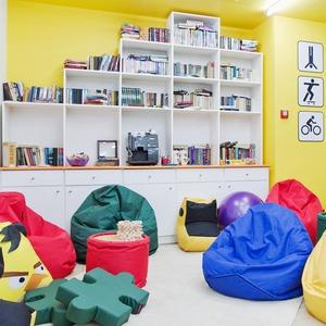Новое место (Киев): Smart cafe BiblioTech — Нове місце на The Village Україна