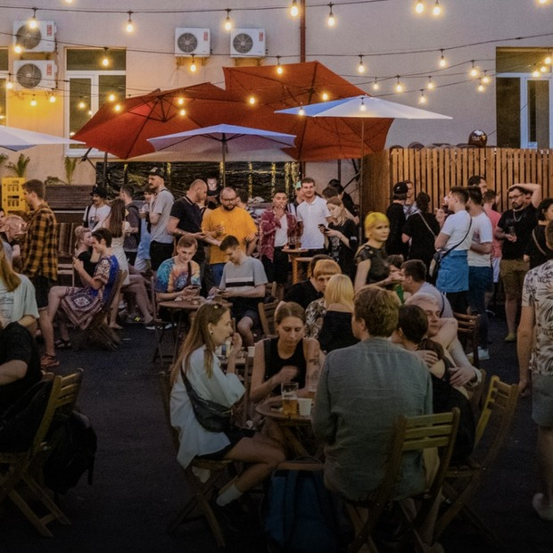 Для тих, хто не йде на Atlas Weekend: дарк-диско у «Хвильовому» і сольник Kyivstoner