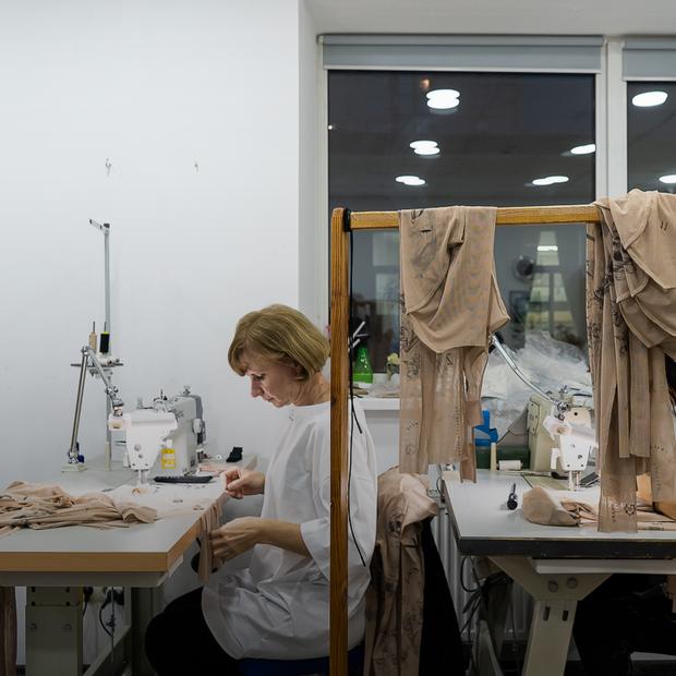 Триповерхова фабрика TTSWTRS, де виготовляють одяг з татуюваннями
