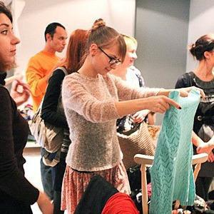 В Киеве можно будет обменяться ненужной одеждой и обувью — Події на The Village Україна