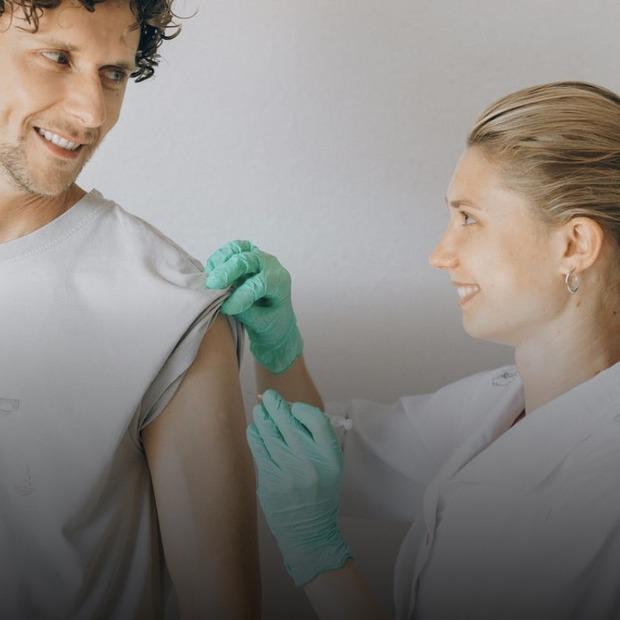 Зараз найгірший час, аби захворіти на грип. Чому варто вакцинуватися вже  — Здоров'я на The Village Україна