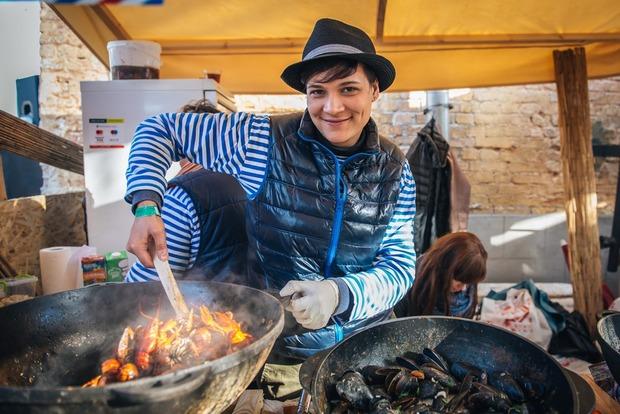 Як це було: травнева Ulichnaya Eda  — Фоторепортаж на The Village Україна