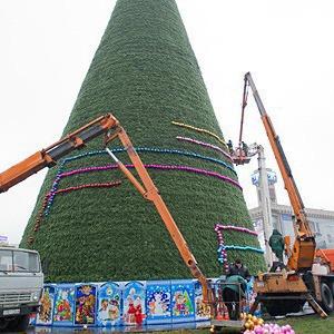 Ёлки-палки: Что происходит с главной новогодней ёлкой в Киеве — Ситуація на The Village Україна