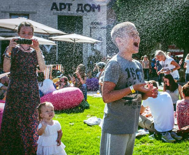 Як розважатись та що їсти на Ulichnaya Eda (8–9 квітня)  — Гід The Village на The Village Україна