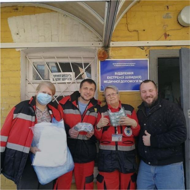Лікарням не вистачає масок, костюмів, апаратів штучної вентиляції легень. Кожен може допомогти — Люди в місті на The Village Україна