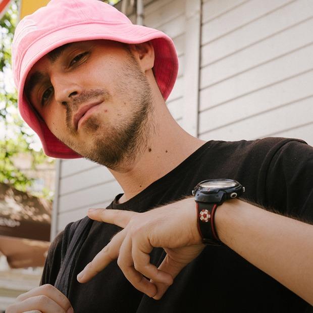 Олег Псюк, 26 років, лідер реп-гурту Kalush — Зовнішній вигляд на The Village Україна