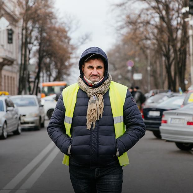 «Євробляхи»: хто і чому перекриває дорогу біля Верховної Ради — Ситуація на The Village Україна