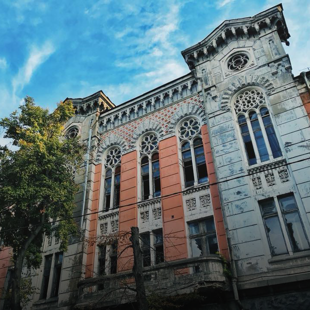 «Будинки Києва»: хто і навіщо хоче реставрувати історичні будівлі на Рейтарській і Ярвалу  — Архітектура на The Village Україна