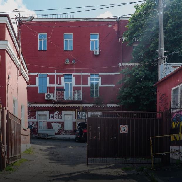 Я працюю на Нижньоюрківській, 31  — Де ти працюєш на The Village Україна