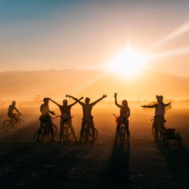 «Плануємо і вогонь!»: як і навіщо на ВДНГ організовують регіональний захід Burning Man — Громадський простір на The Village Україна