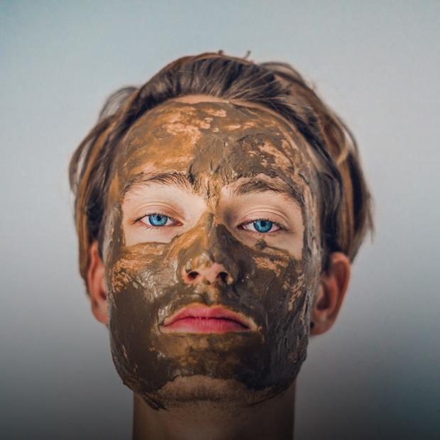 Як доглядати за шкірою взимку  — Є питання на The Village Україна