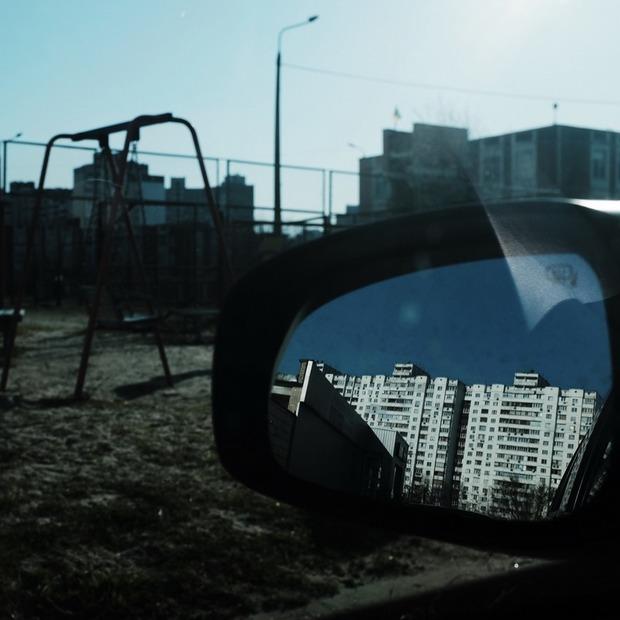 Камера спостереження. «Не виходячи з машини» – Єлизавета Букреєва знімає Київ у карантин  — Камера спостереження на The Village Україна
