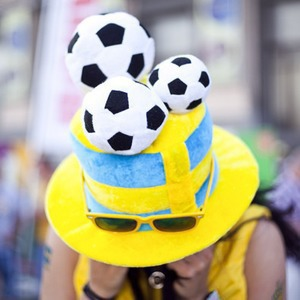 Жёлто-голубые: Самые яркие фанаты сборных Украины и Швеции — Євро-2012 на The Village Україна