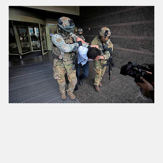 «У перемовинах із терористами рецептів не буває». Інтерв'ю з переговорницею  — Інтерв'ю на The Village Україна