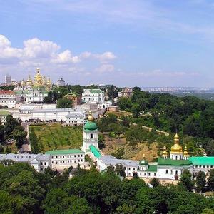 В Лавре для посетителей откроют Митрополичий сад — Ситуація на The Village Україна