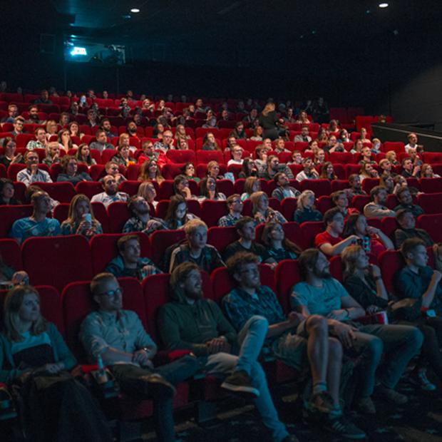 50% заповнення залу, квитки онлайн та українське кіно: як кінотеатри виходитимуть із карантину — Ситуація на The Village Україна