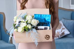 Як і де замовити святкову доставку квітів та подарунків