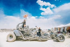 «Плануємо і вогонь!»: як і навіщо на ВДНГ організовують регіональний захід Burning Man