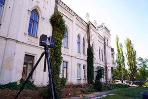 Хто і навіщо робить 3D-моделі пошкоджених історичних будівель Києва
