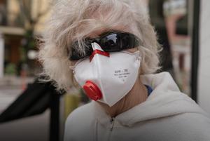 «Я принципово ходжу в масці на вулиці». Ці люди завжди носять маски