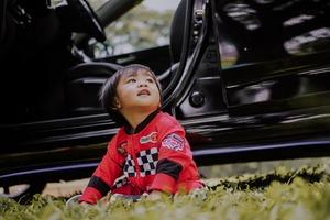 Як спланувати та пережити подорож з дитиною на автомобілі