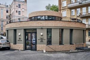 «Японський Привіт» і Kometa Pizza у просторі «Рейтарська Circle» біля Золотих воріт