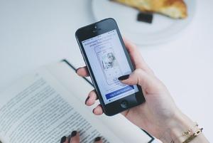 Чистити смартфон від фото та додатків
