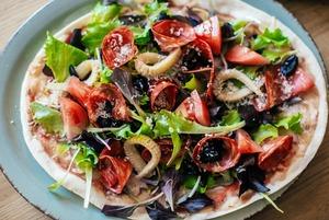 Неаполітанська піца зі Львова і півлобстера за 198 гривень