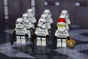 Нові «Зоряні війни», різдвяні маркети і концерт Oxxxymiron