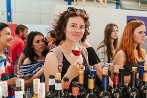 Фестиваль вина Kyiv Wine на Подолі: як це було