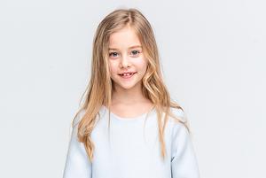 Чому оренда дитячих святкових суконь – це екологічно