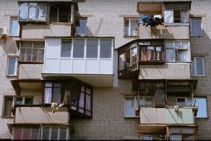 «Змінив балкон, щоби коту було зручно виходити на вулицю». Як балкони показують, ким ми є