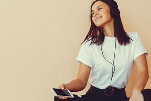 Як слухати музику в офлайні та без реклами? 8 переваг YouTube Music для меломана