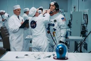 «Найдорожче селфі в історії»: чому варто переглянути фільм «Перша людина»