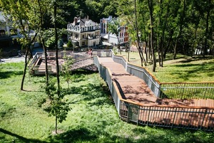 «Потік зріс щонайменше на 10%»: як відкриття сходів на Воздвиженку вплинуло на локальний бізнес