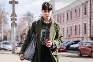 Весна у місті: стильні люди в перші сонячні дні