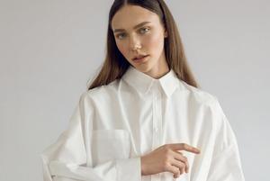 Об'ємна біла сорочка від українського бренда U-R-So