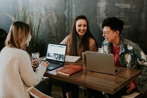 Як довго можна сидіти в кав'ярні з ноутбуком?