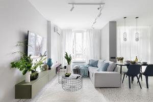 Квартира для дівчини в заспокійливих кольорах