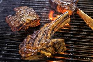 Найстаріший стейк-хаус в Україні та 18 видів мармурової яловичини