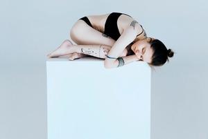«Ти боїшся померти, але не так сильно, як набрати вагу» – Ольга Хілобок про 10 років з анорексією